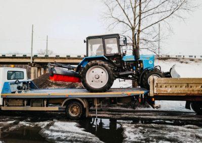 Перевозка трактора (погрузка на платформу)